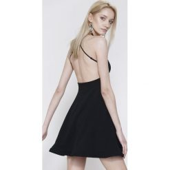 Sukienki hiszpanki: Czarna Sukienka Pretty Back