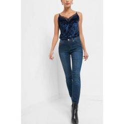 Jeansy slim. Brązowe jeansy damskie slim marki Orsay, s, z dzianiny. Za 99,99 zł.