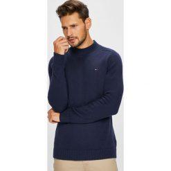 Tommy Jeans - Sweter. Czarne swetry klasyczne męskie Tommy Jeans, l, z bawełny, z okrągłym kołnierzem. Za 359,90 zł.