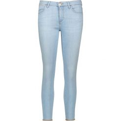 Dżinsy - Skinny fit - w kolorze błękitnym. Niebieskie rurki damskie Wrangler. W wyprzedaży za 164,95 zł.