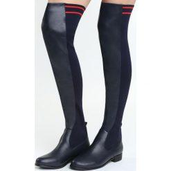 Granatowe Kozaki My Energy. Czarne buty zimowe damskie Born2be, z materiału, z okrągłym noskiem, na płaskiej podeszwie. Za 129,99 zł.