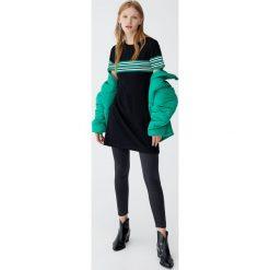 Sukienki: Sukienka basic z panelem w paski