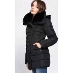 Czarna Kurtka Back in Black. Czarne kurtki damskie pikowane Born2be, na zimę, l, z puchu. Za 189,99 zł.
