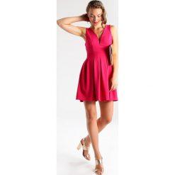 Sukienki hiszpanki: WAL G. Sukienka koktajlowa fuschia