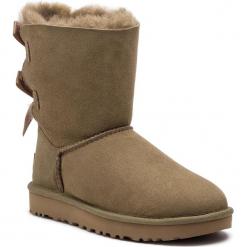 Buty UGG - W Bailey Bow II 1016225 W/Alp. Szare buty zimowe damskie marki Ugg, z materiału, z okrągłym noskiem. Za 969,00 zł.