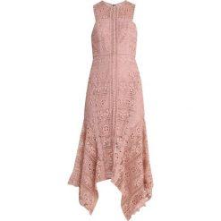 Love Triangle VALENTINA MIDI DRESS Długa sukienka pale mink. Czerwone długie sukienki Love Triangle, z materiału, z długim rękawem. Za 379,00 zł.
