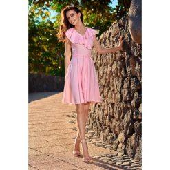 Sukienki: Sukienka kopertowa na lato pudrowy róż