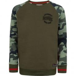 Bluza w kolorze ciemnozielonym. Zielone bluzy chłopięce marki Retour Denim de Luxe, moro, z bawełny. W wyprzedaży za 105,95 zł.
