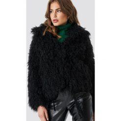 NA-KD Trend Krótka kurtka sztuczne futro - Black. Zielone futra damskie marki Emilie Briting x NA-KD, l. Za 283,95 zł.