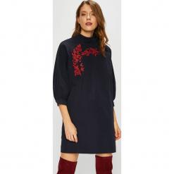 Trendyol - Sukienka. Sukienki małe czarne marki Mohito, l, proste. Za 99,90 zł.