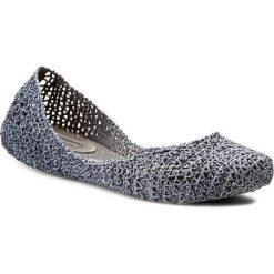 Baleriny MELISSA - Campana Papel VII Ad 31512 Grey Glitter 52683. Szare baleriny damskie ażurowe marki Melissa, z gumy. W wyprzedaży za 219,00 zł.