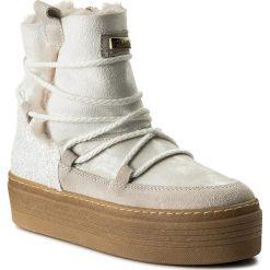Botki GUESS - Claudia FLCLD4 ELE10 WHITE. Białe buty zimowe damskie Guess, z gumy. W wyprzedaży za 329,00 zł.