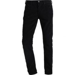 Chinosy męskie: AllSaints CROMWELL REX Spodnie materiałowe black