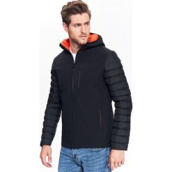 KURTKA KRÓTKA MĘSKA TYPU SOFTSHELL. Czarne kurtki męskie zimowe marki Top Secret, m, z softshellu. Za 99,99 zł.