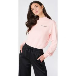 Bluzy damskie: NA-KD Trend Bluza Cool Girl – Pink
