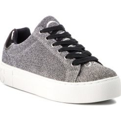 Sneakersy GUESS - FLMEA4 FAM12 SILVE. Czarne sneakersy damskie marki Guess, z materiału. Za 439,00 zł.