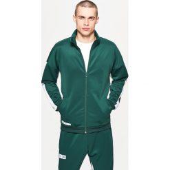 Bluzy męskie: Bluza sportowa z lampasem - Khaki