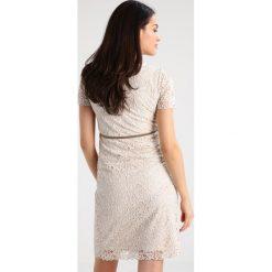 Noppies CELIA Sukienka etui light sand. Szare sukienki Noppies, l, z materiału. W wyprzedaży za 356,30 zł.