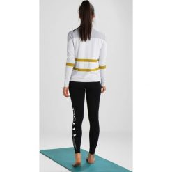 Varley AVALON LONGSLEEVE Bluzka z długim rękawem white. Białe bluzki longsleeves Varley, s, z materiału, sportowe. Za 299,00 zł.
