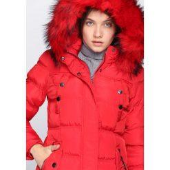 Czerwona Kurtka Never Going Back. Brązowe kurtki damskie pikowane marki QUECHUA, na zimę, m, z materiału. Za 219,99 zł.