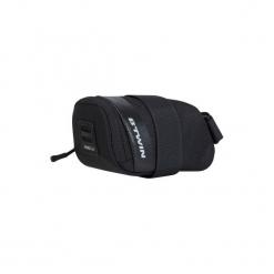 Torba rowerowa pod siodło 500 S 0,4 L. Czarne torebki klasyczne damskie B'TWIN, z materiału. Za 29,99 zł.