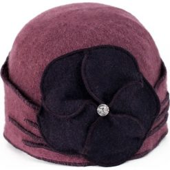 Czapka damska Elegancki bratek fioletowa (cz14220). Fioletowe czapki zimowe damskie Art of Polo. Za 61,09 zł.
