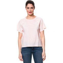 Koszulka w kolorze jasnoróżowym. Czerwone bluzki damskie Mavi, xs, z haftami, z bawełny, z okrągłym kołnierzem. W wyprzedaży za 55,95 zł.