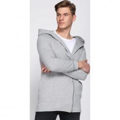 Jasnoszara Bluza Favorite. Czarne bluzy męskie marki Born2be, l, z aplikacjami, z dresówki. Za 39,99 zł.