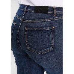 Ashley Graham x Marina Rinaldi IDIOMA Jeansy Dzwony hellblau. Niebieskie jeansy damskie Ashley Graham x Marina Rinaldi. W wyprzedaży za 706,30 zł.