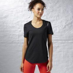 KOSZULKA - KR.REKAW BLACK/BLACK WOR SW TEE. Niebieskie bluzki z odkrytymi ramionami marki DOMYOS, xs, z bawełny. Za 49,99 zł.