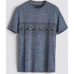 T-shirt z motywem zimowym - Granatowy. Niebieskie t-shirty męskie Reserved, l. Za 39,99 zł.