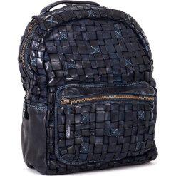 Plecaki damskie: Skórzany plecak w kolorze granatowym – 26 x 33 x 13 cm