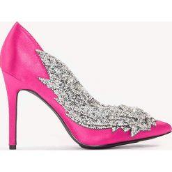 Buty ślubne damskie: NA-KD Shoes Czółenka zdobione strassem - Pink