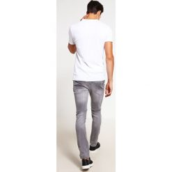 Redefined Rebel STOCKHOLM Jeansy Slim Fit light grey. Szare jeansy męskie marki Redefined Rebel. Za 169,00 zł.