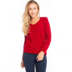 Sweter w kolorze czerwonym. Czerwone swetry klasyczne damskie Jimmy Sanders, l, z okrągłym kołnierzem. W wyprzedaży za 99,95 zł.