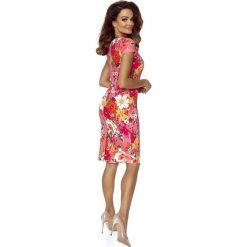 Alice sukienka dzienna kwiaty na ciemnym różu. Czerwone sukienki hiszpanki Bergamo, w kwiaty. Za 221,99 zł.