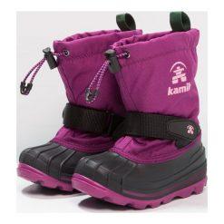Kamik WATERBUG Śniegowce purple. Fioletowe buty zimowe damskie marki Kamik, z materiału. W wyprzedaży za 319,20 zł.