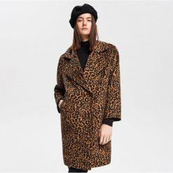 Płaszcz z motywem zwierzęcym - Wielobarwn. Szare płaszcze damskie Reserved, z motywem zwierzęcym. Za 299,99 zł.