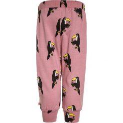 Småfolk PANTS WITH TOUCAN Spodnie treningowe blush. Czerwone jeansy chłopięce Småfolk. Za 199,00 zł.