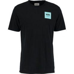 Wood Wood BOX Tshirt z nadrukiem black. Niebieskie koszulki polo marki Tiffosi. Za 229,00 zł.