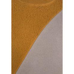Imps&Elfs LONG SLEEVE Bluza golden brown/classic grey. Żółte bluzy chłopięce Imps&Elfs, z bawełny. W wyprzedaży za 131,45 zł.