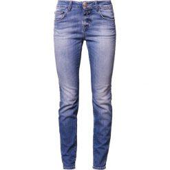 CLOSED BAKER LONG Jeansy Slim Fit washed down blue. Niebieskie jeansy damskie relaxed fit CLOSED, z bawełny. W wyprzedaży za 545,35 zł.