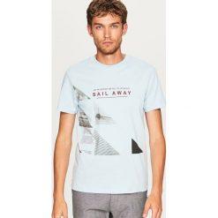 T-shirt z nadrukiem - Niebieski. Niebieskie t-shirty męskie z nadrukiem Reserved, l. Za 29,99 zł.