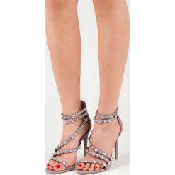 Sandały szpilki zapinane na suwak JAIRA. Czerwone sandały damskie marki Mohito. Za 119,00 zł.