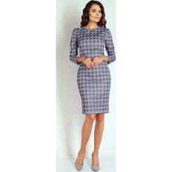 Purpurowa Wizytowa Ołówkowa Wzorzysta Sukienka Midi. Fioletowe sukienki balowe marki Molly.pl, l, w kolorowe wzory, z tkaniny, z okrągłym kołnierzem, z długim rękawem, midi, dopasowane. W wyprzedaży za 109,65 zł.