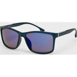 Medicine - Okulary Desert Grunge. Brązowe okulary przeciwsłoneczne męskie wayfarery marki MEDICINE, z materiału. W wyprzedaży za 14,90 zł.