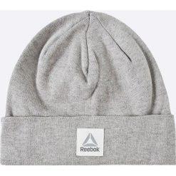 Reebok - Czapka. Szare czapki zimowe damskie marki Reebok, na zimę, z nadrukiem, z bawełny. W wyprzedaży za 39,90 zł.