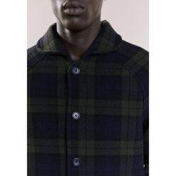 Płaszcze przejściowe męskie: YMC You Must Create BEACH Krótki płaszcz dark blue
