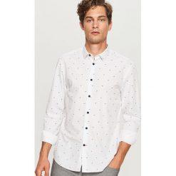 Koszula z mikroprintem regular fit - Biały. Niebieskie koszule męskie marki Reserved, l. Za 89,99 zł.