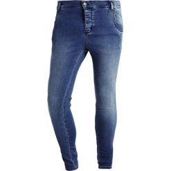 SIKSILK EXS SIKSILK SKINNY Jeans Skinny Fit mid blue. Niebieskie rurki męskie marki Tiffosi. Za 209,00 zł.